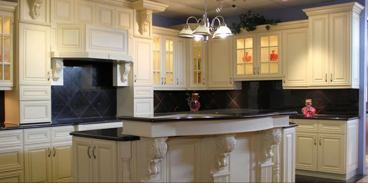 Cabinet refinishing and painting kitchen cabinet company in Denver