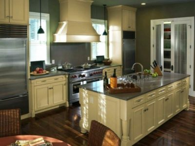 Cabinet refinishing and kitchen cabinet painting in Denver CO.